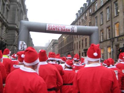 Crowds at Santa Dash